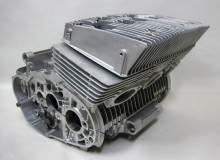 スズキGT380エンジン:ガラスビーズ光沢処理