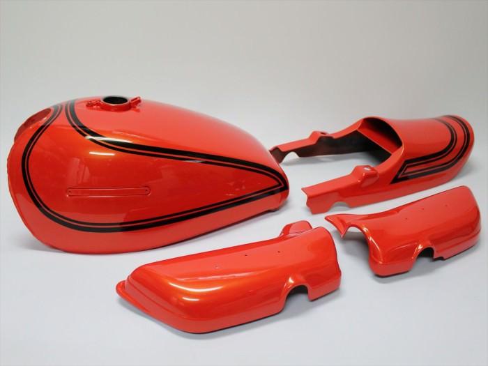 カワサキZ2外装塗装:火の玉オレンジパール(カスタムペイント)