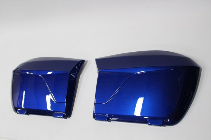 BMWパニアケース塗装:ウレタン調色塗装